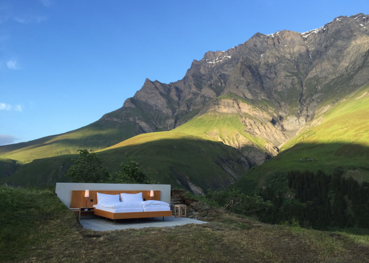Null Stern Hotel Redefines Glamping: Camping-Out-Meets-Luxury-Hotel Experience